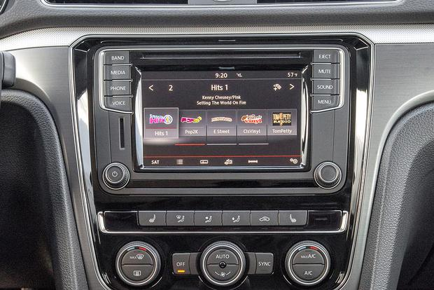 Infotainment Systems: A Comparison featured image large thumb12