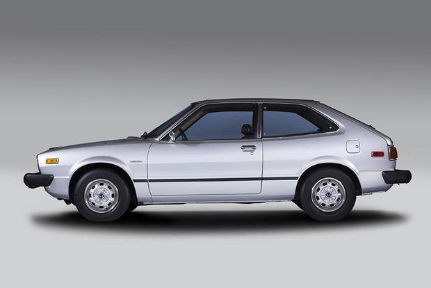 A Look Back at the Honda Accord featured image large thumb0