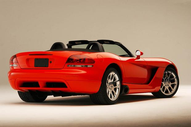 A Look Back at the Dodge Viper featured image large thumb2