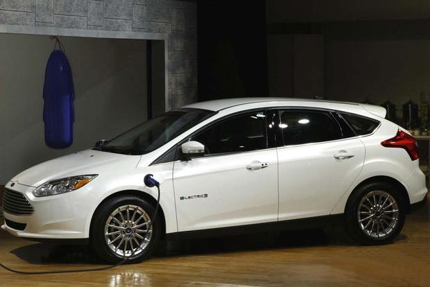 Electric Cars: A Comprehensive Listing featured image large thumb1