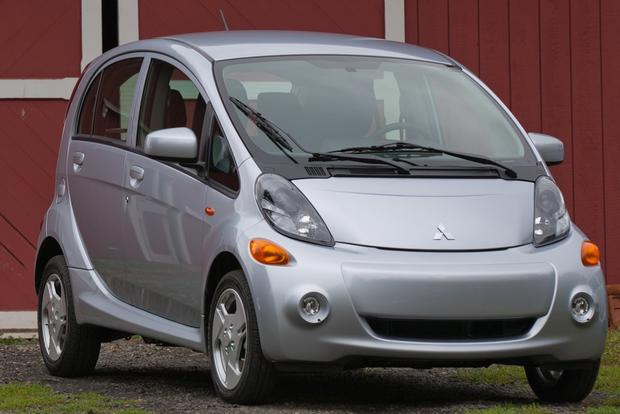 Electric Cars: A Comprehensive Listing featured image large thumb3