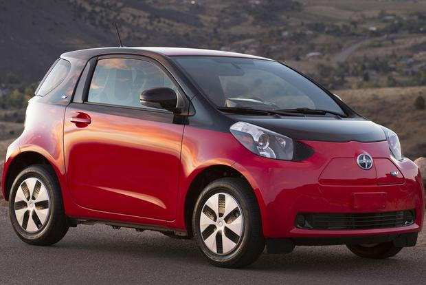 Electric Cars: A Comprehensive Listing featured image large thumb5