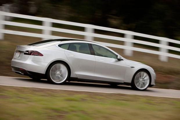 Electric Cars: A Comprehensive Listing featured image large thumb6
