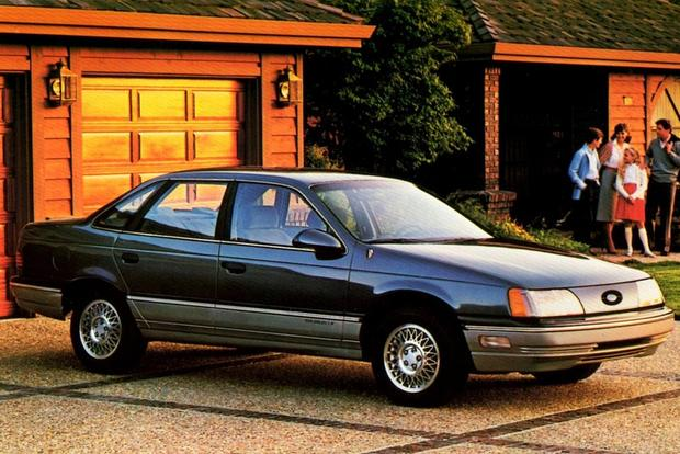 A Look Back at the Ford Taurus featured image large thumb0