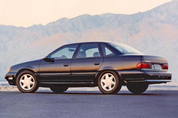 A Look Back at the Ford Taurus featured image large thumb2