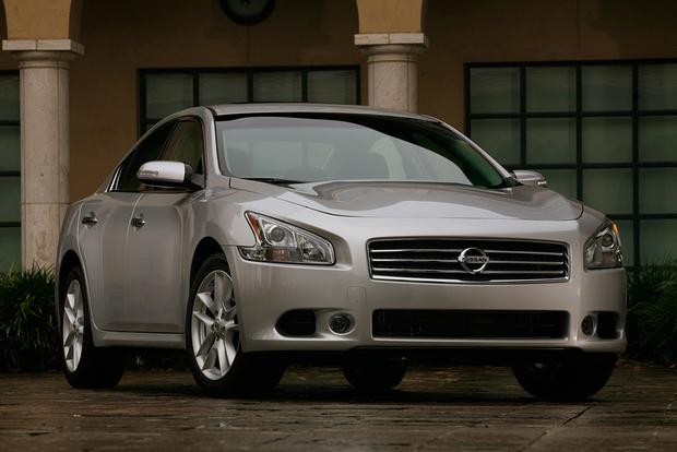 A Look Back at the Nissan Maxima featured image large thumb8