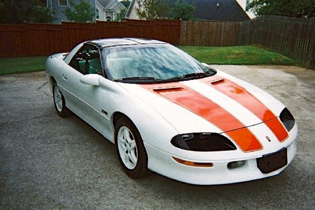 Modern Day Clic 1997 Chevrolet Camaro 30th Anniversary Ss Lt4 Featured Image Large Thumb0