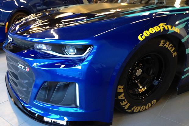 Chevrolet Camaro ZL1: Anatomy of a Race Car featured image large thumb4