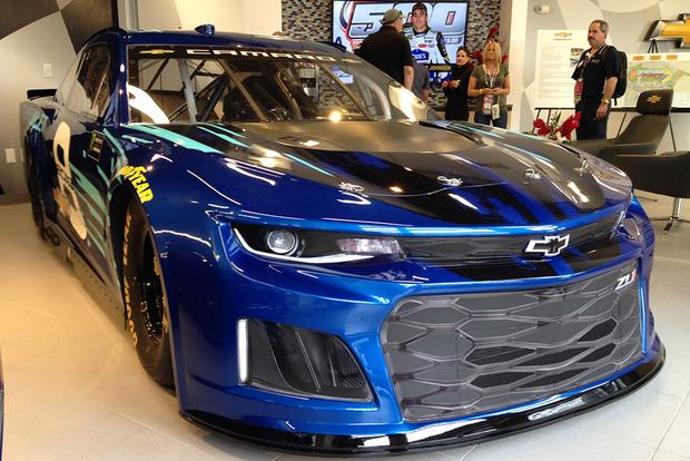 Chevrolet Camaro ZL1: Anatomy of a Race Car featured image large thumb6