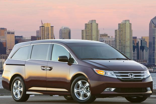 Minivan and Van Deals: March 2013 featured image large thumb3