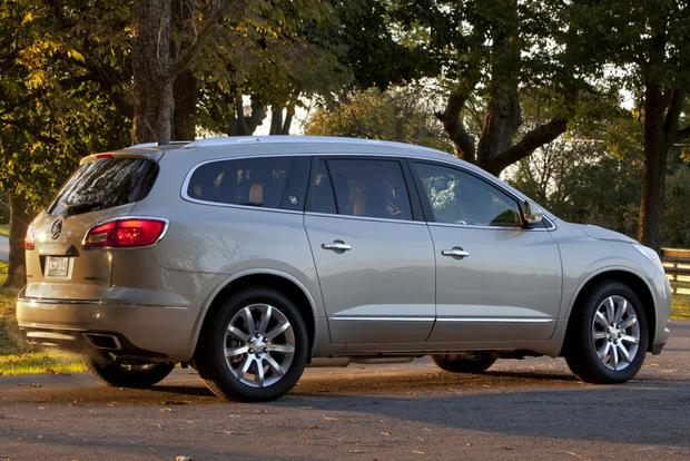 Luxury SUV Deals: March 2014 featured image large thumb2