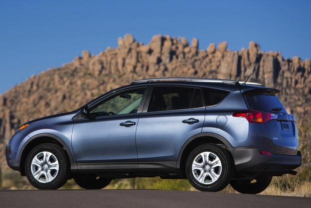 SUV Deals: April 2014 featured image large thumb0