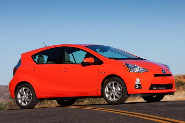 Hatchback Deals: November 2014 featured image large thumb1