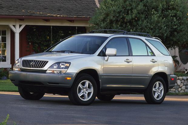 2001-2006 Acura MDX vs. 1999-2003 Lexus RX 300: Which Is Better?