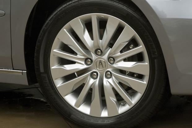 2012 Acura RL: New Car Review featured image large thumb8