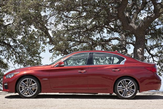 2015 acura tlx vs 2014 infiniti q50 which is better autotrader. Black Bedroom Furniture Sets. Home Design Ideas
