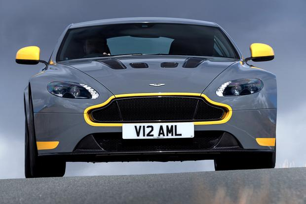 2017 Aston Martin V12 Vantage: Overview featured image large thumb4
