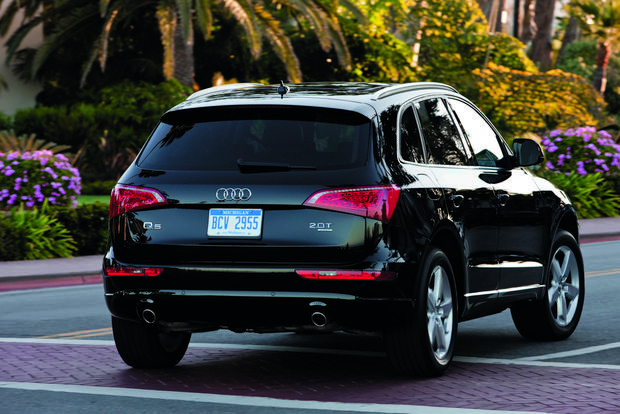 2012 Audi Q5: OEM Image Gallery featured image large thumb4