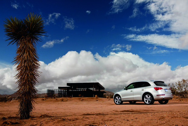 2012 Audi Q5: OEM Image Gallery featured image large thumb7