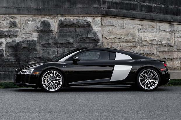 2017 Audi R8: Overview featured image large thumb3