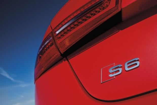 2013 Audi S6: OEM Image Gallery featured image large thumb5