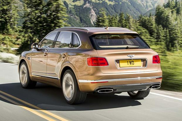 2017 Bentley Bentayga: Overview featured image large thumb2