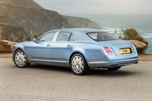 2016 Bentley Mulsanne: Overview featured image large thumb3