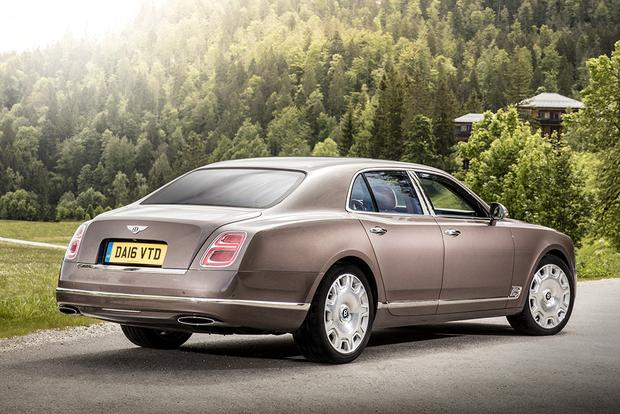 2017 Bentley Mulsanne: Overview featured image large thumb1