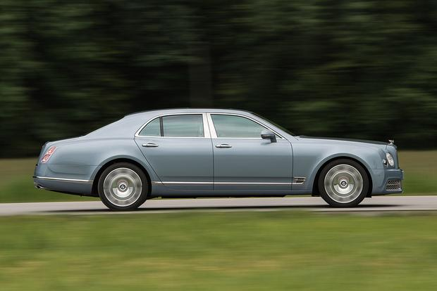 2017 Bentley Mulsanne: Overview featured image large thumb2