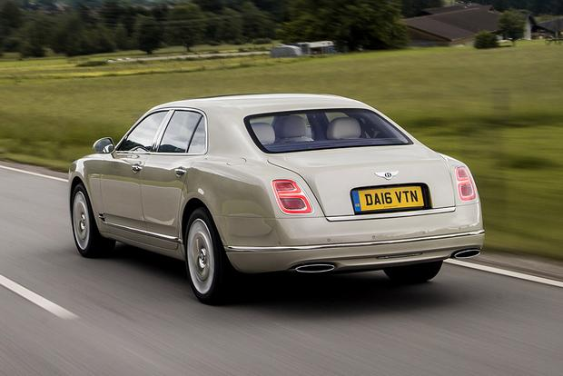 2017 Bentley Mulsanne: Overview featured image large thumb3