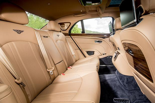 2017 Bentley Mulsanne: Overview featured image large thumb5