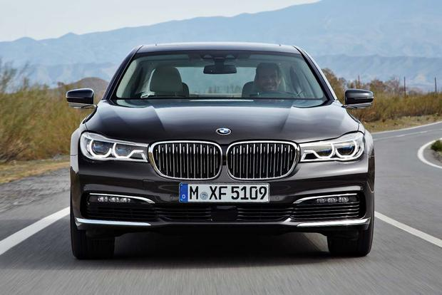 2017 BMW 7 Series: New Car Review featured image large thumb1