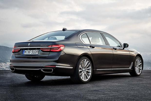 2017 BMW 7 Series: New Car Review featured image large thumb3