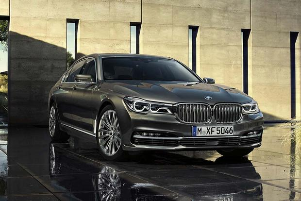 2017 bmw 7 series new car review autotrader. Black Bedroom Furniture Sets. Home Design Ideas