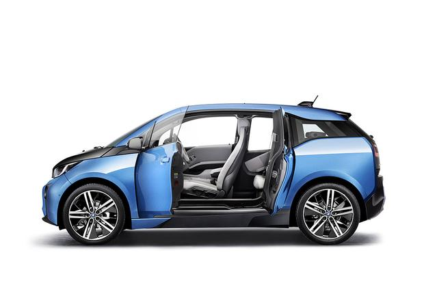 2017 BMW i3: New Car Review featured image large thumb2