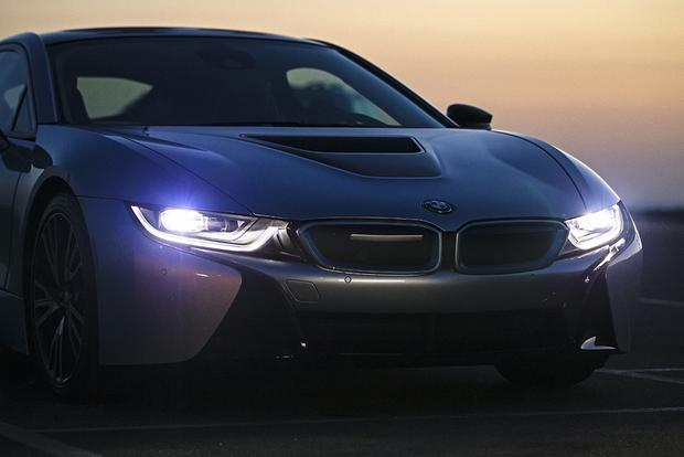 2015 BMW i8: Overview featured image large thumb7