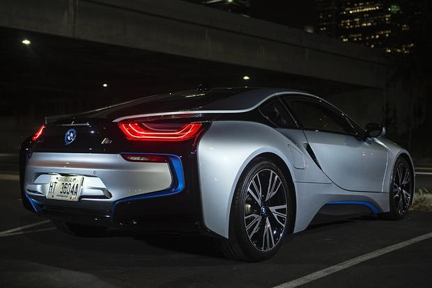 2017 BMW i8: Overview featured image large thumb6