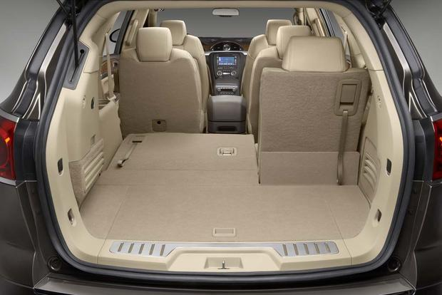 Buick Enclave Seating Capacity >> 2010 Buick Enclave Used Car Review Autotrader