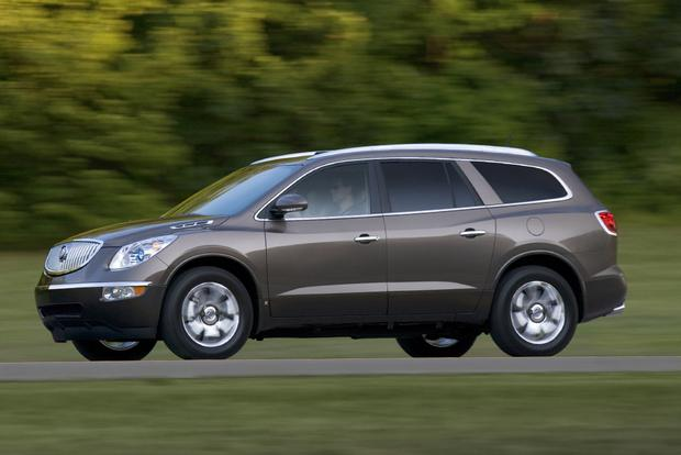2011 buick enclave used car review autotrader. Black Bedroom Furniture Sets. Home Design Ideas