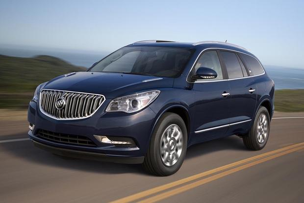 2016 Buick Enclave vs. 2016 Chevrolet Traverse: What's the Difference? featured image large thumb3
