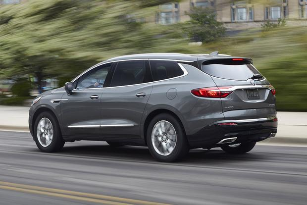 2018 Buick Enclave: New Car Review featured image large thumb3