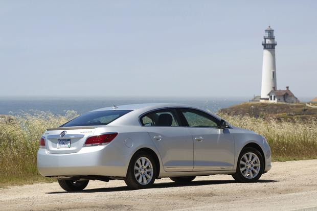 2013 Buick Lacrosse: OEM Image Gallery featured image large thumb1