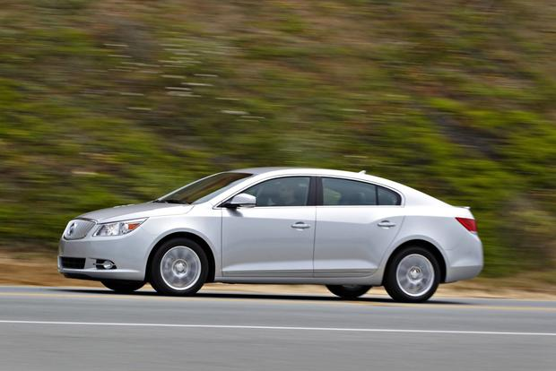2013 Buick Lacrosse: OEM Image Gallery featured image large thumb3