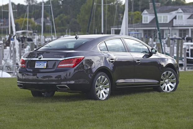 2015 buick lacrosse vs 2015 buick regal what 39 s the difference autotrader. Black Bedroom Furniture Sets. Home Design Ideas