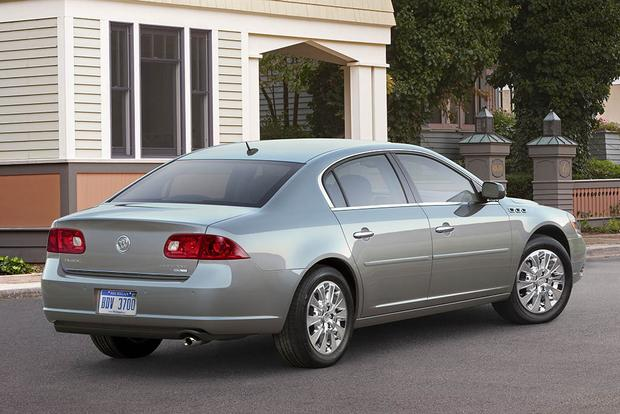 2006-2011 Buick Lucerne vs. 2005-2012 Toyota Avalon: Which Is Better? featured image large thumb1