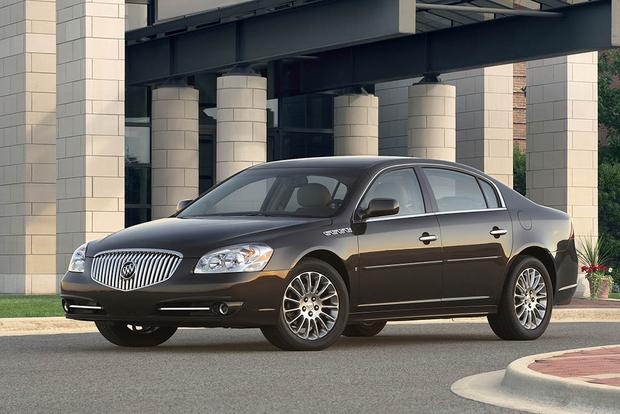 2006-2011 Buick Lucerne vs. 2005-2012 Toyota Avalon: Which Is Better? featured image large thumb3
