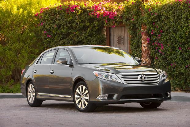 2006-2011 Buick Lucerne vs. 2005-2012 Toyota Avalon: Which Is Better? featured image large thumb0