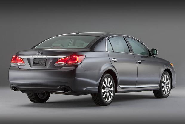 2006-2011 Buick Lucerne vs. 2005-2012 Toyota Avalon: Which Is Better? featured image large thumb2