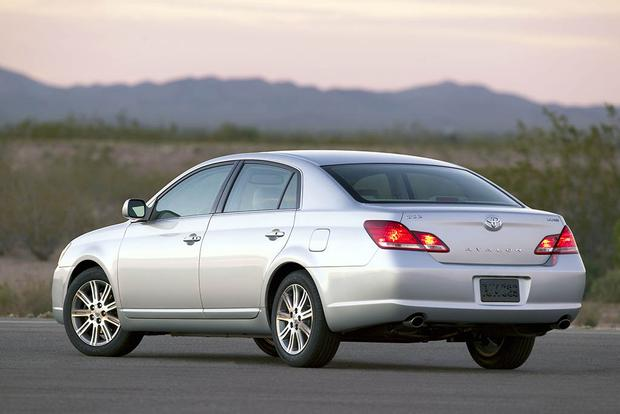 2006-2011 Buick Lucerne vs. 2005-2012 Toyota Avalon: Which Is Better? featured image large thumb10