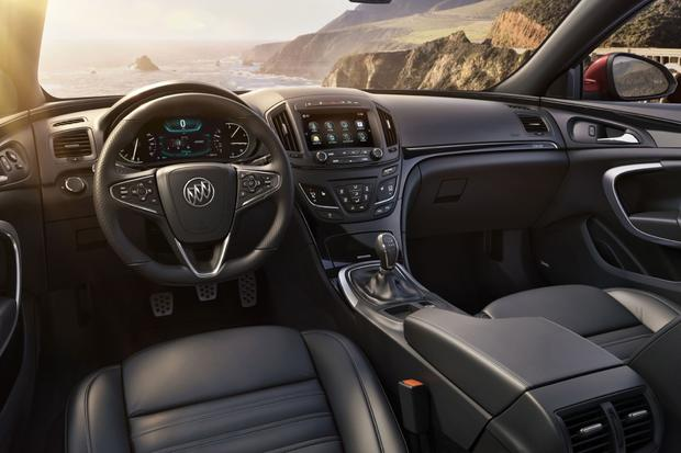 2014 Buick Regal: New Car Review featured image large thumb4